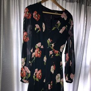 Lulus Navy floral Romper, NWT size small